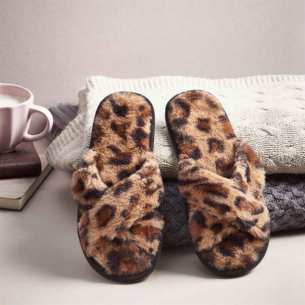 On-trend Leopard Slippers